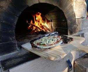 薪窯でのピッザァ焼きコース